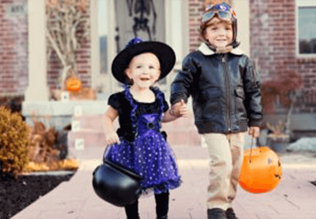 Kids dressed up to go trick or treating