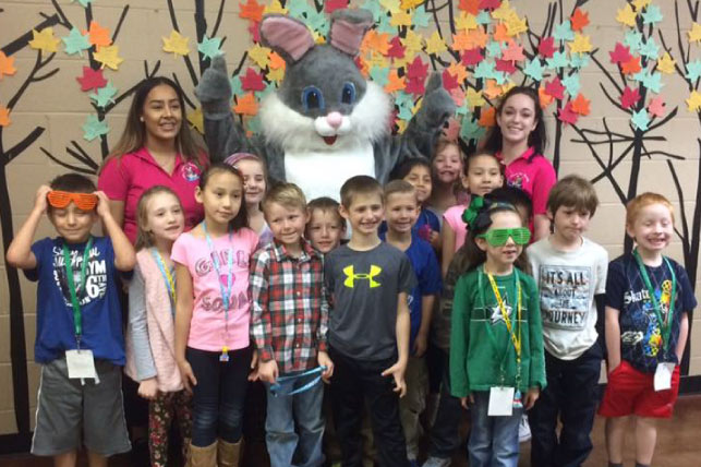 group school photo after teaching kids in Kerrville about proper hygiene tips